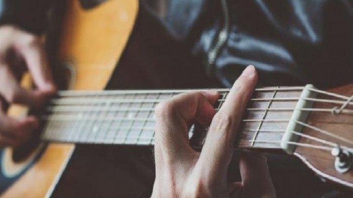 Chord Gitar Lagu Back to December – Taylor Swift Lengkap dengan Lirik Lagunya
